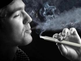 电子烟能帮助人们停止吸烟吗?基于这个目的使用电子烟来戒烟安全吗?