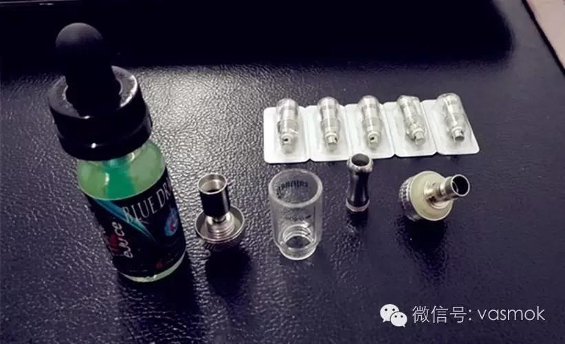【心有戚戚分享】一瓶烟油三种口味——来自BLUE DRAGON 蓝龙