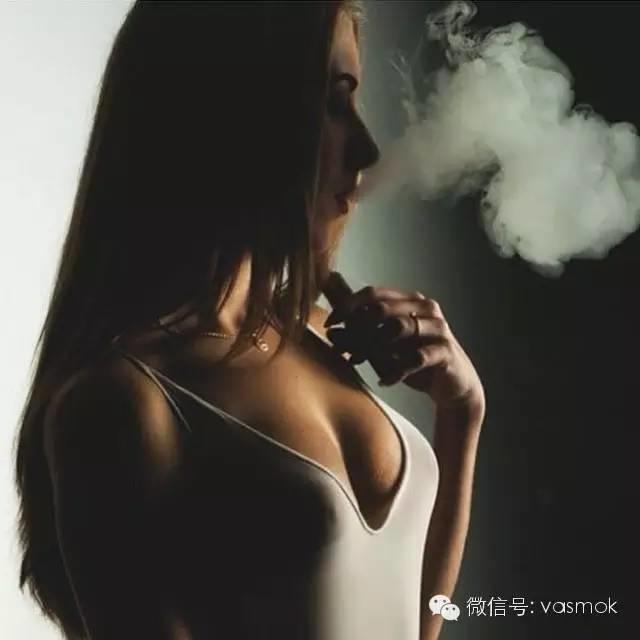 【向vape致敬 005】唯美邂逅,电子烟&美女
