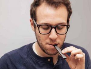 Vapeam电子烟小区和《电子烟世界》杂志达成战略合作协议